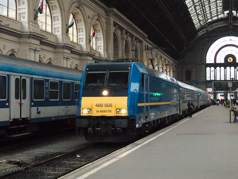 The 480 008 at Budapest-Kel photo