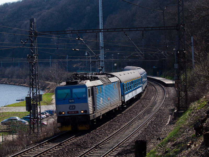 The ČD 162 036-8 is se photo
