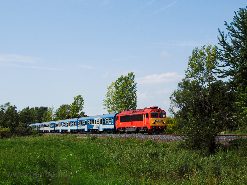 The MÁV-TR 418 306 seen bet photo