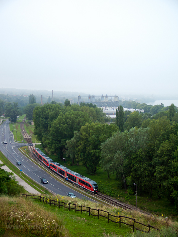 A Desiro at Eternitgyár photo