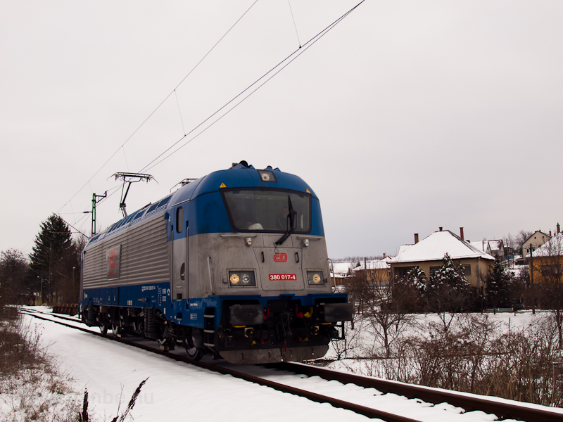 The ČD 380 017-4 multi photo