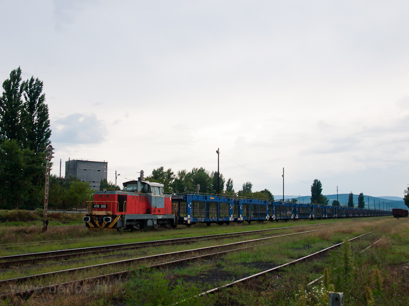 The MÁV-TR 478 305 is seen  photo
