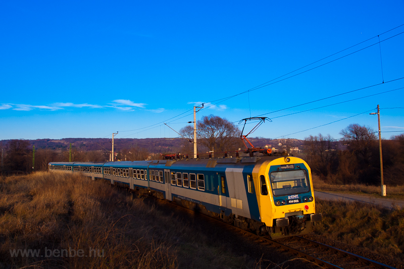 The MÁV-START 414 003 seen  photo