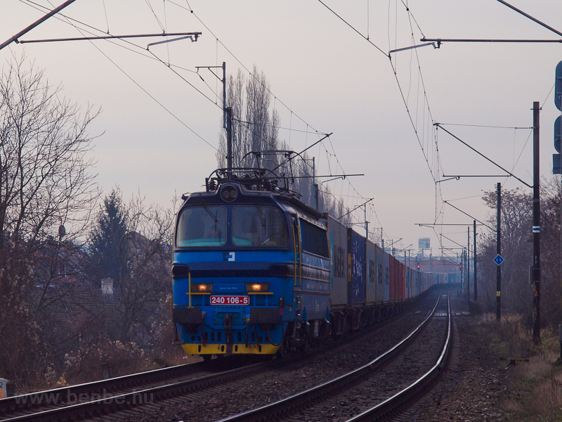 The ČD Cargo 240 106-5 photo