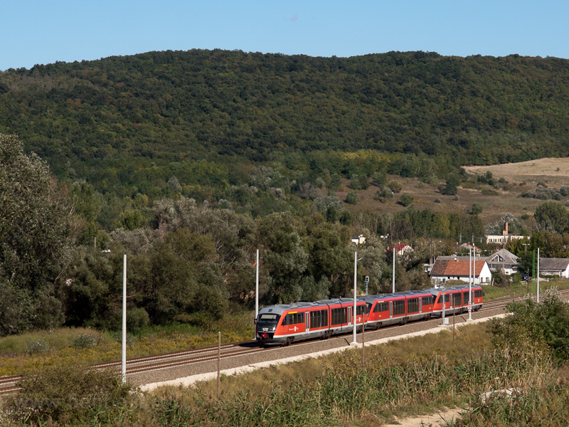 Desiro railcars seen near Ü photo
