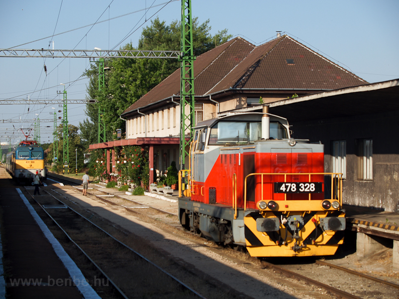The MÁV-TR 478 328 seen at  photo