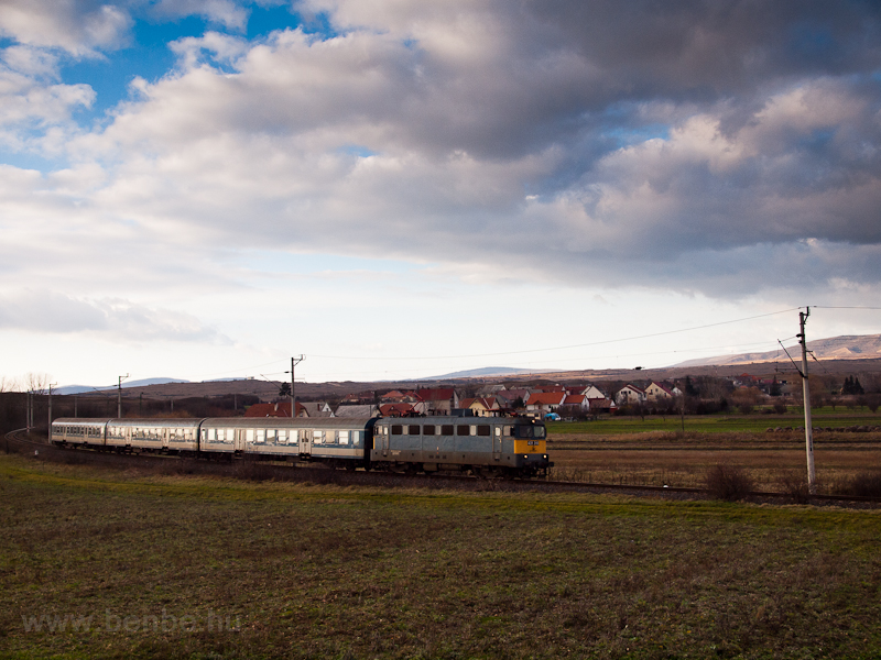 A fast train at Öskü hauled photo
