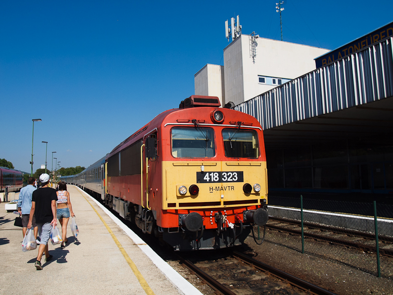 The 418 323 seen at Balaton photo