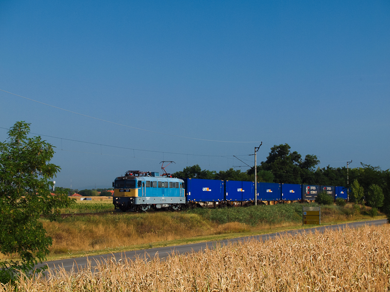 The 431 137 seen near Déleg picture