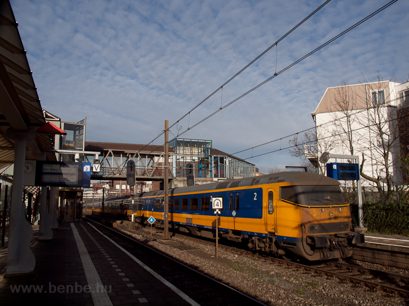 An InterCityDirect train se photo