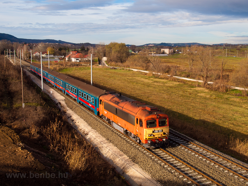 MÁV 418 313 seen near Solymár on the refurbished Budapest-Esztergom railway photo