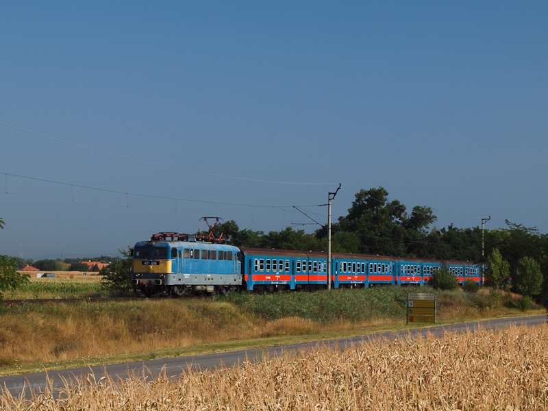 The MÁV 431 010 seen near D photo