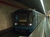 81-717-es metró a kettes vonalon a Stadionok állomáson