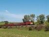 A MÁV-TR M62 228 üres favonattal Püspökhatvan és Acsa-Erdőkürt között