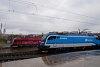 A két ÖBB railjet-Taurus-3, a prágai railjet beindulásának bejelentésére elkészült ÖBB 1216 229 (bordó) és a České Dráhy railjet-vásárlásához bematricázott ČD railjetes Najbrt-kék ÖBB 1216 234 Prága hlavní nádražin (a ČD logós Taurus 3 is az ÖBB-é, a szerelvények viszont a ČD-é lesznek, és többnyire harmonizáló 1216-osok fogják húzni őket, új színt hozva a Semmering forgalmába is, hiszen Graz lesz a végállomásuk. Döglés esetén viszont bármilyen gép előfordulhat majd rajtuk).