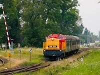 A Jenbacher-motoros 408 203 <q>Jennifer</q> a győri fürdővonattal Kisbér állomáson