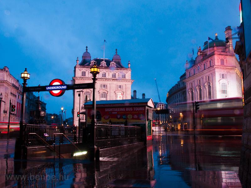Emeletes busz a Piccadilly  fotó
