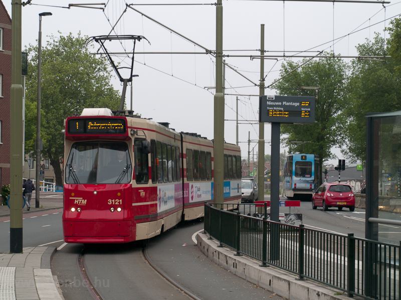 Den Hague tram at Nieuwe Pl photo