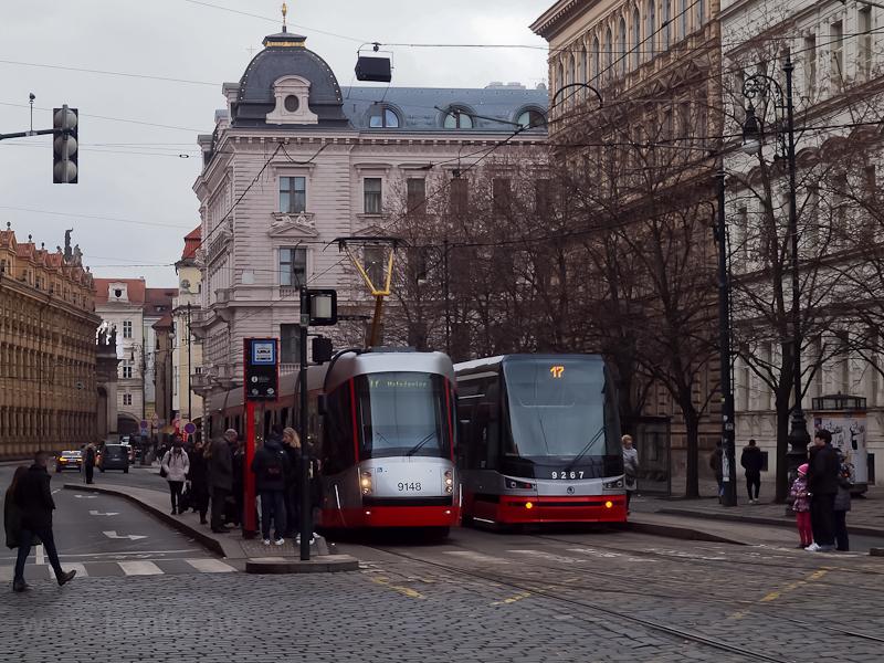 Kétféle Škoda villamos fotó