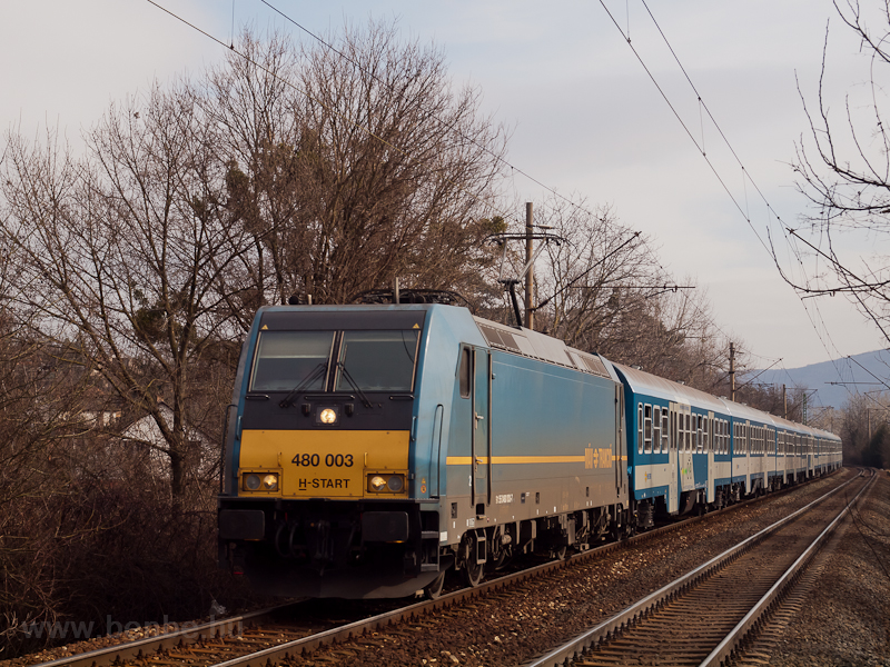 The 480 003 TRAXX seen betw photo