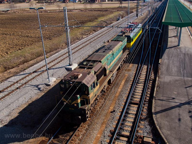 A SŽ 664-104 és egy GY fotó