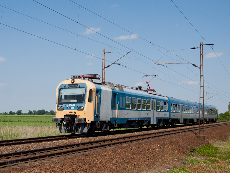 The 414 019 near Füzesabony picture