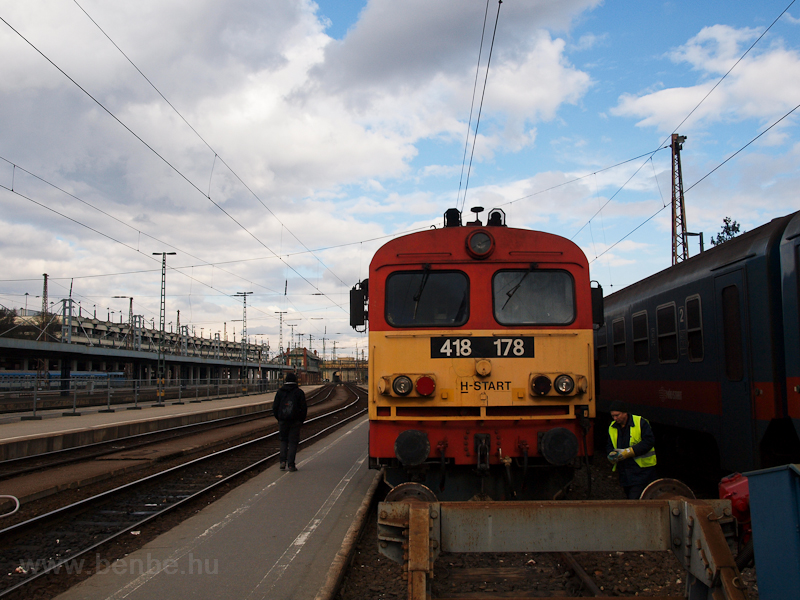 The 418 178 at Nyugati photo