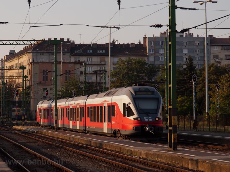 The 415 053 at Budapest-Dél photo