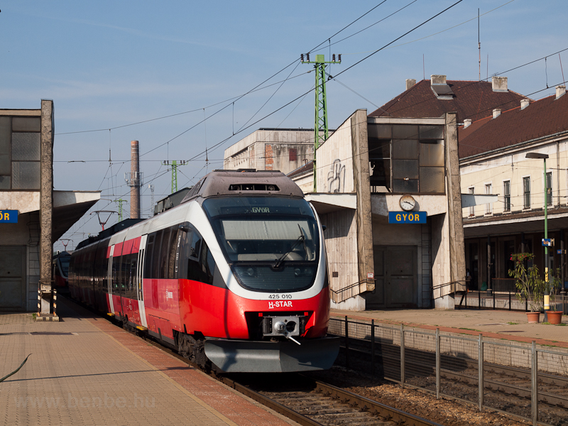 The 424 010 at Győr picture