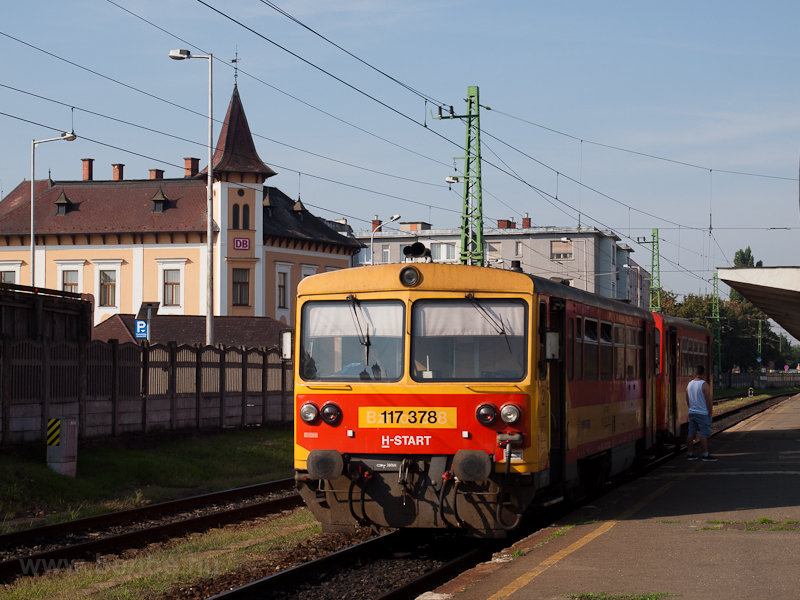 117 378 Győrben, a hát fotó