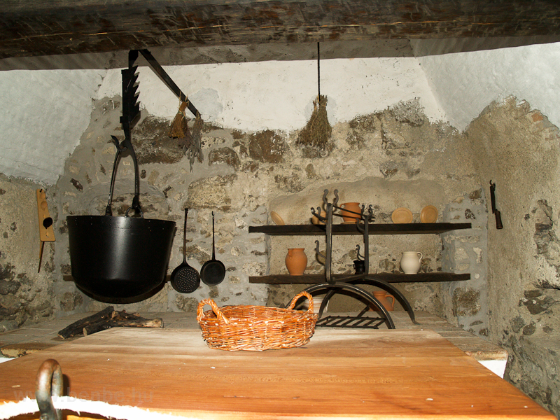 Kitchen at the castle of Sz photo