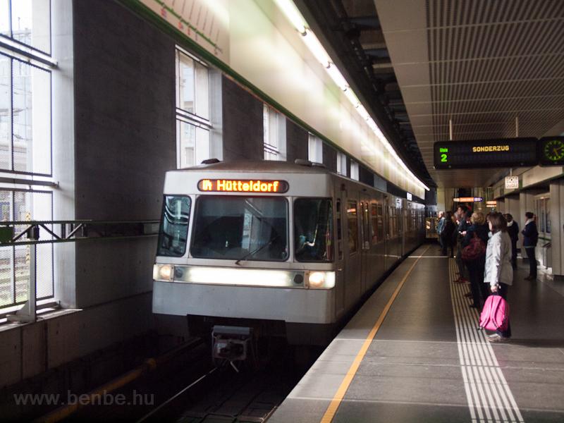 U4 metró  fotó