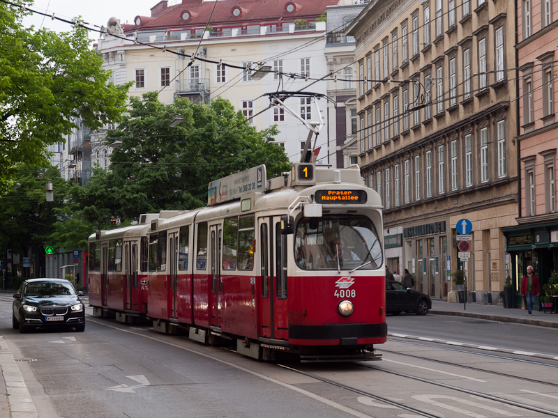 E2 tram at line 1 in Vienna photo
