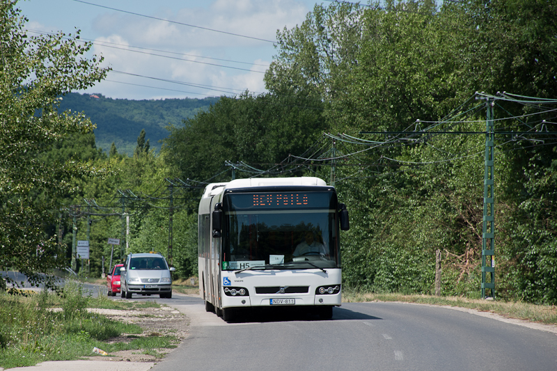 An H5 HÉV replacement bus a photo