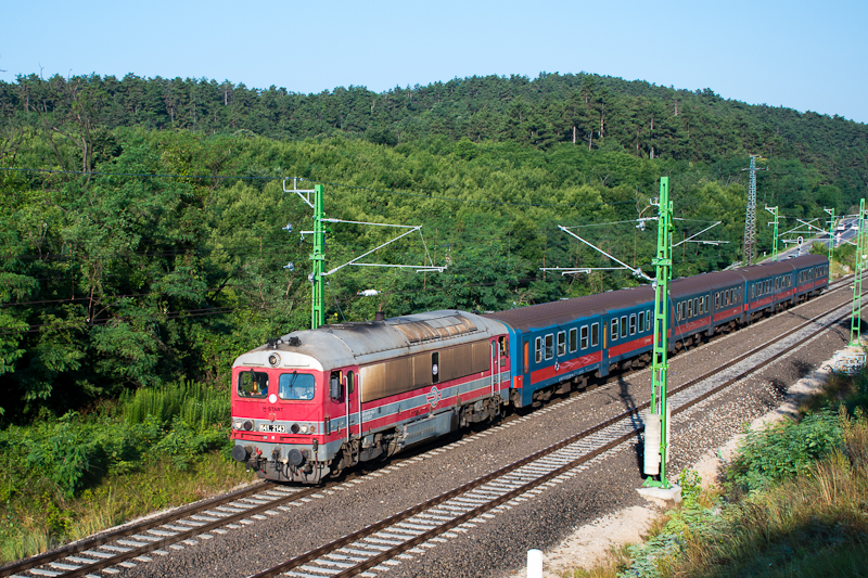 The MÁV-START 418 143 (M41  picture