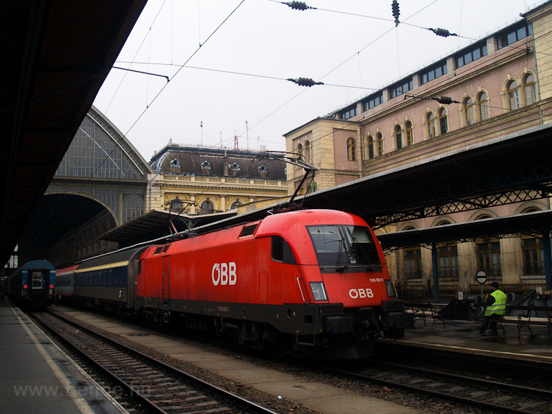 The ÖBB 1116 001-7 is seen  photo
