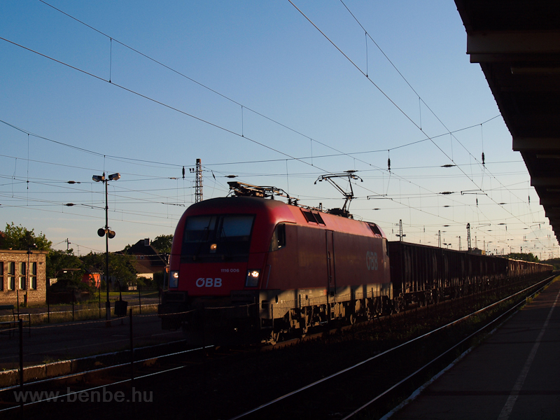 The ÖBB 1116 006 is seen ha photo