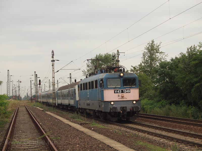 The V43 1249 is seen haulin picture