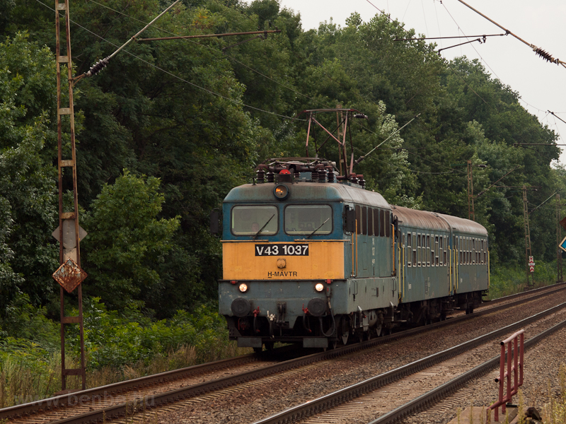 The V43 1037 at Mezőke photo