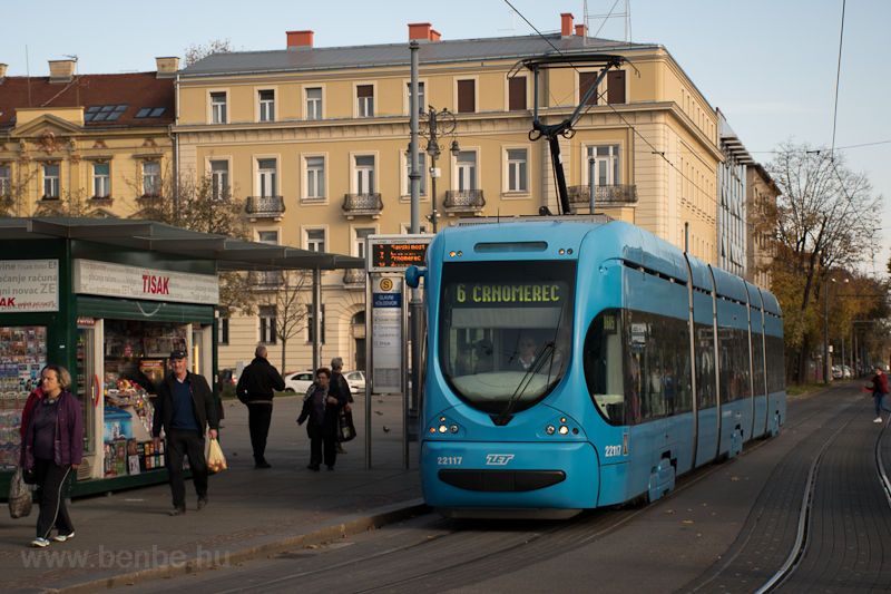Tramway 11117 seen at Zagre photo