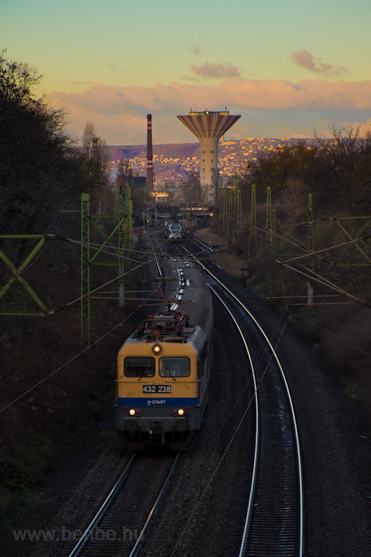 The 432 238 seen near Pests photo