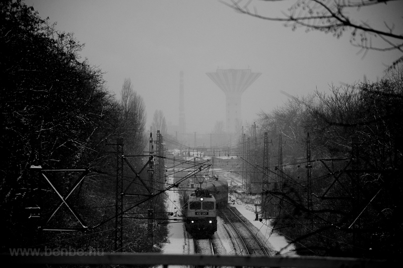 The 432 247 in the snow, at picture