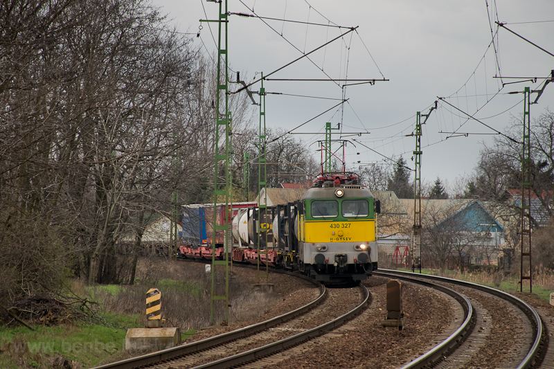 The Gysev 430 327 near Üll& picture