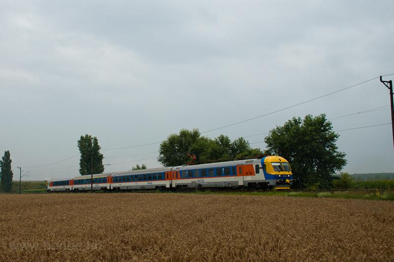A MÁV-START 434 003 (ex-BVmot 003) pályaszámú InterCity motorvonata a 150-es vonalon Dunavarsány és Taksony között  fotó