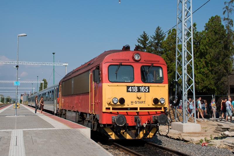 The Máv-Start 418 165 at Sárospatak photo