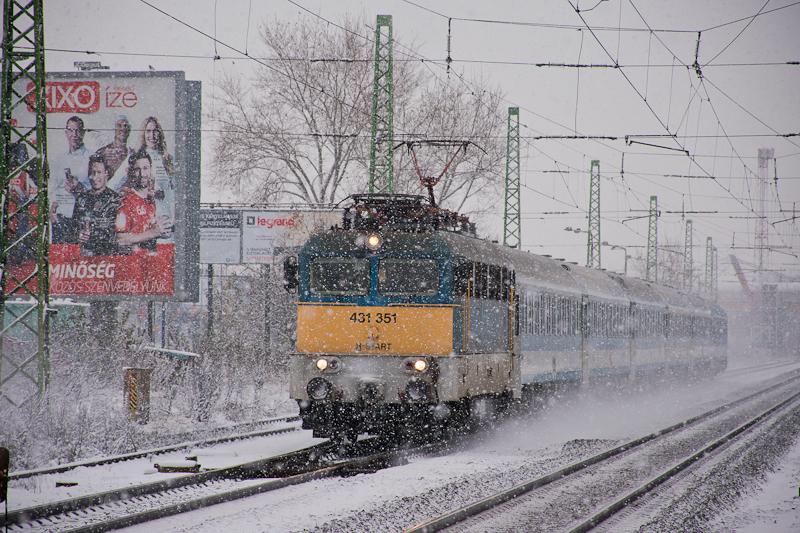 My other snowy railway photos:      photo