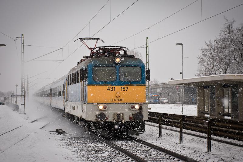 The MÁV-START 431 157 seen at Szemeretelep photo