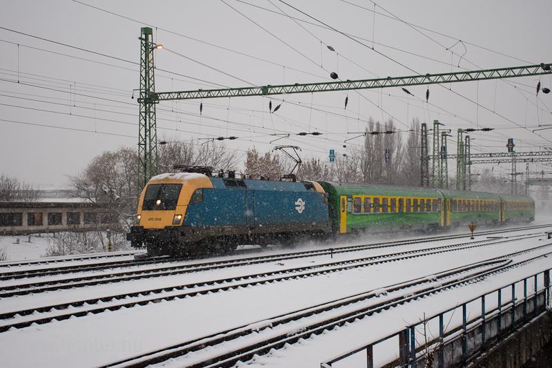 The MÁV-START 470 009 seen at Ferencváros photo