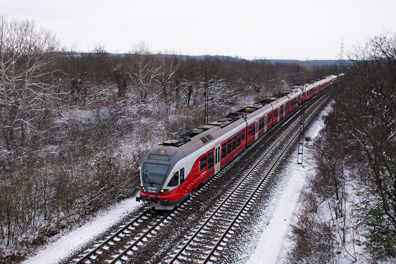 The 415 014 at Szár photo