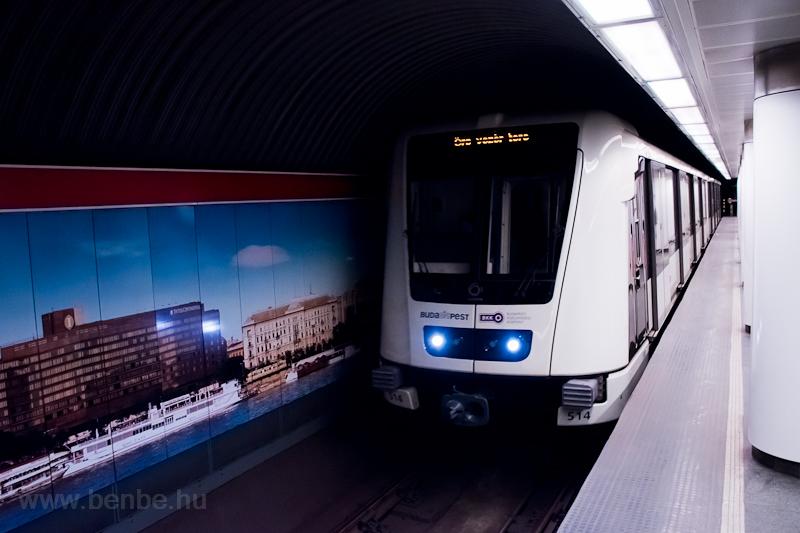 Alstom metró a Batthyány téren  fotó